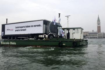 Unatras proclama il fermo dell'autotrasporto merci
