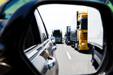 Automobilisti e camionisti: quasi amici?