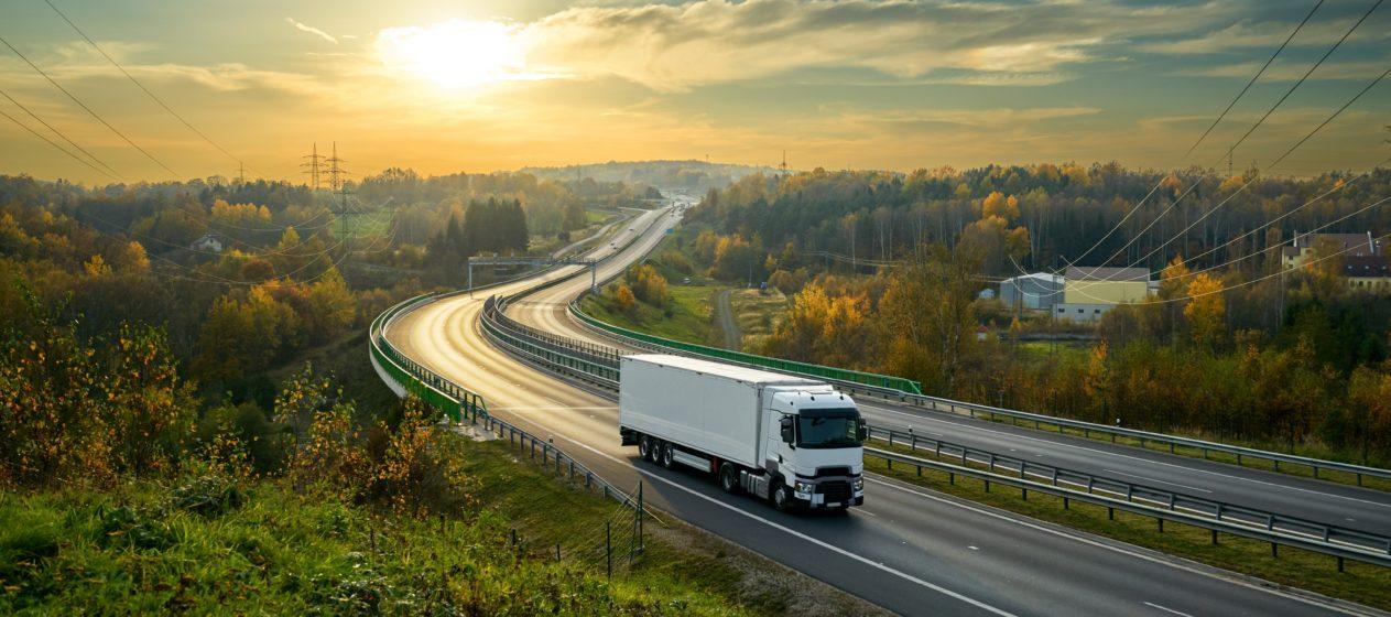 Cabotaggio stradale: i camionisti saranno pagati alle stesse condizioni dei lavoratori del posto