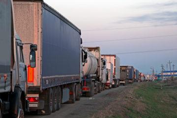 camion incolonnati traffico