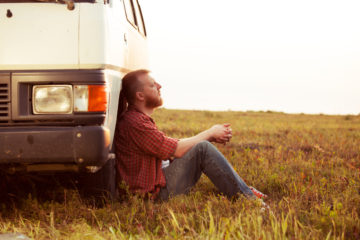 camionista riposa ore giornaliere