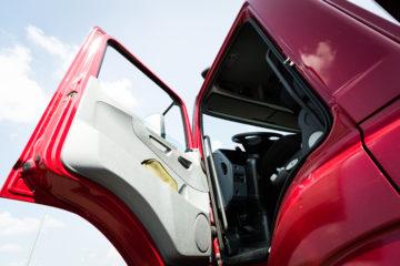 portiera camion rosso