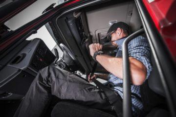 postura corretta camionista con cintura